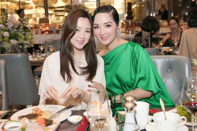 Những ái nữ xinh đẹp, sành điệu của các đại gia Việt-3