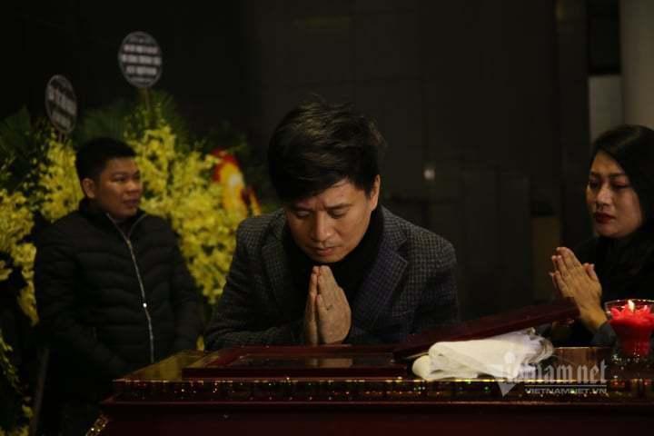 Nước mắt không ngừng rơi trong tang lễ NSƯT Vũ Mạnh Dũng-10