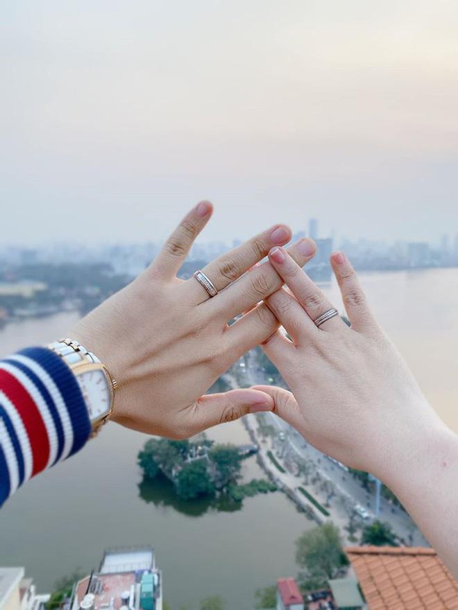 MC Hạnh Phúc của VTV thông báo sắp kết hôn, nhan sắc cô dâu làm ai cũng tò mò-2