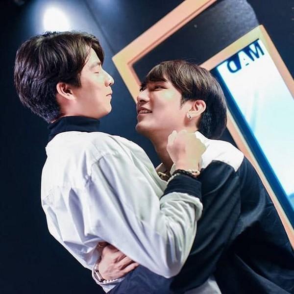 Cặp đôi vàng trong làng phim đam mỹ Thái Lan vướng nghi án phim giả tình thật-4