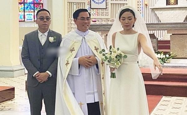 Soobin Hoàng Sơn phá tan dàn phù dâu phù rể trong đám cưới Tóc Tiên - Hoàng Touliver vì sai dress code-3