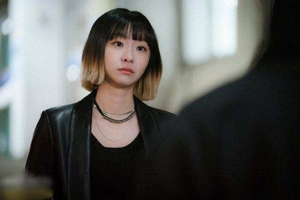 Nữ quái IQ 162 của Tầng Lớp Itaewon và màn bóp méo mồm tình địch để đời là ai?-3
