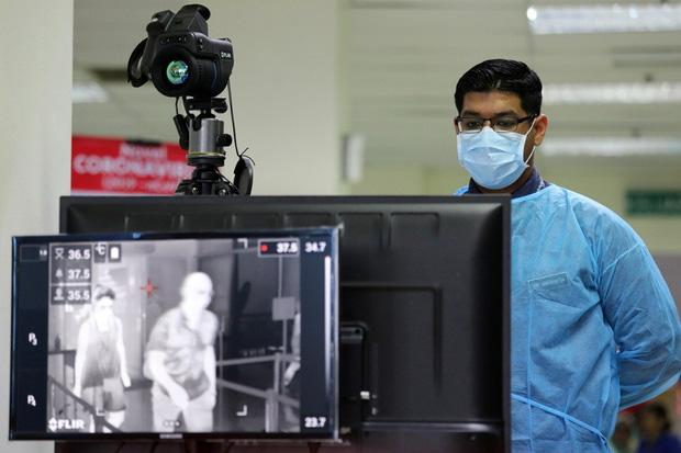 Bệnh nhân siêu lây nhiễm thực sự là gì và mối nguy họ mang lại khi dịch virus corona Covid-19 đang lây lan?-2