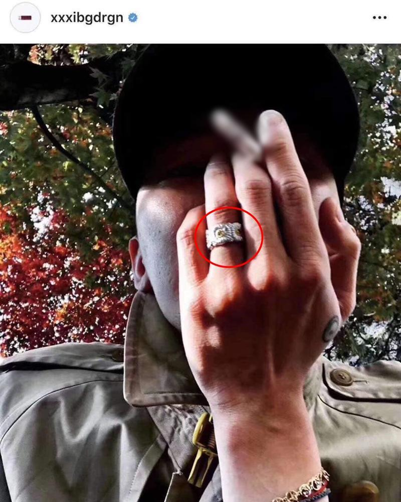 Phương Ly khoe ảnh đeo nhẫn đôi với một người đàn ông che mặt và danh tính chắc chắn sẽ khiến bạn bất ngờ-3