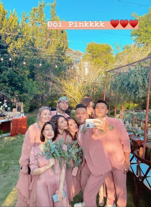 Khách mời quậy banh nóc trong hậu trường đám cưới Tóc Tiên - Hoàng Touliver-4