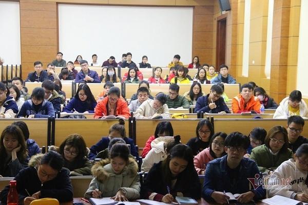 Bộ Giáo dục xem xét cho học sinh, sinh viên đi học lại từ ngày 2/3-1