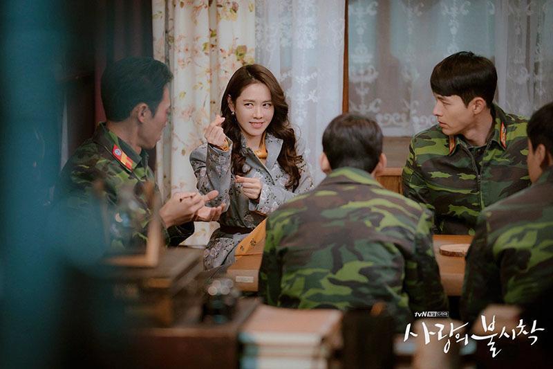 Hậu trường chưa kể về Hyun Bin, Son Ye Jin ở Hạ cánh nơi anh-4