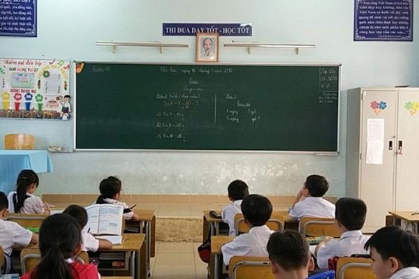 Chủ tịch Hà Nội chốt cho học sinh toàn thành phố nghỉ đến đầu tháng 3-1
