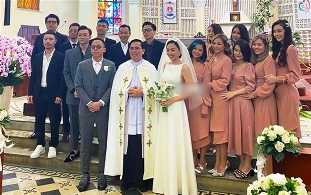 Cô dâu Tóc Tiên thổ lộ cô đơn quá ngay giữa đám cưới với Hoàng Touliver-1
