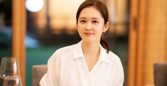 Jang Nara đã làm gì để trông trẻ hơn hẳn dàn diễn viên cùng tuổi 38?-3