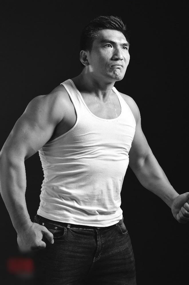 Ngất ngây màn đấu võ 1 chọi 7 của HHen Niê chỉ sau 1 tuần tập luyện-6