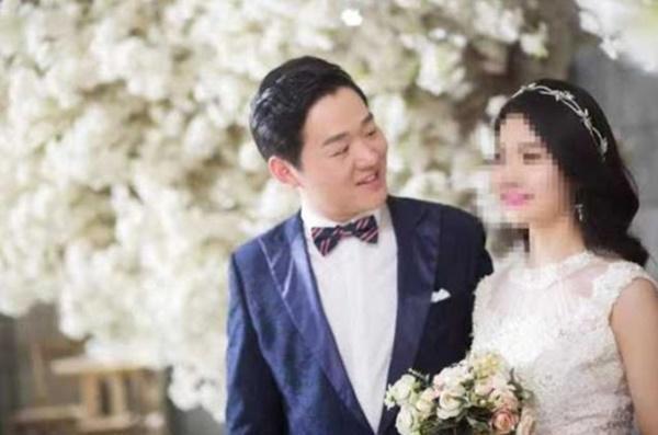 Vợ chưa cưới của bác sĩ 29 tuổi chết vì corona: 'Em thay anh chăm con'-1