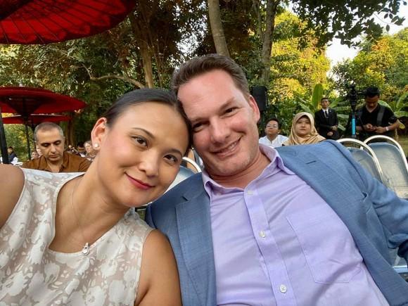 Cuộc sống hạnh phúc của chồng cũ Hồng Nhung bên người vợ mới-4