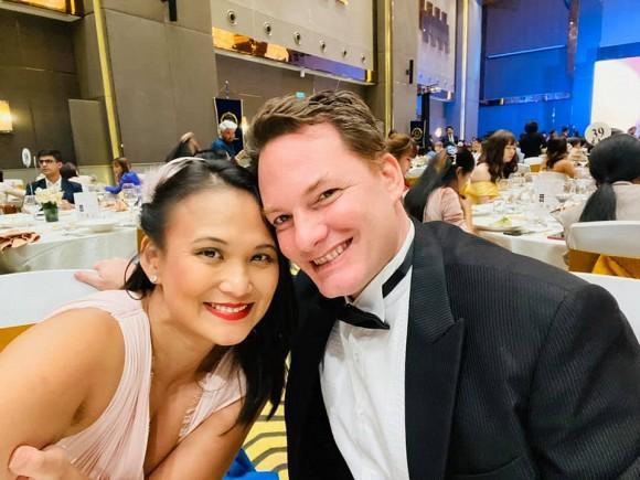 Cuộc sống hạnh phúc của chồng cũ Hồng Nhung bên người vợ mới-5