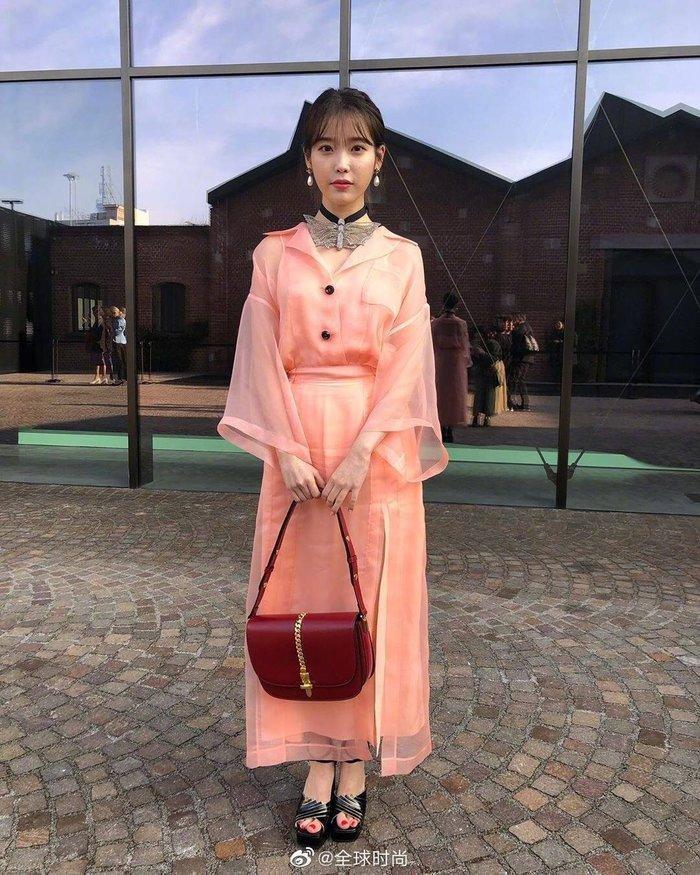 Mặc váy hàng hiệu xa xỉ, IU bị Knet chê bai còn thua mặc đồ rẻ tiền-1