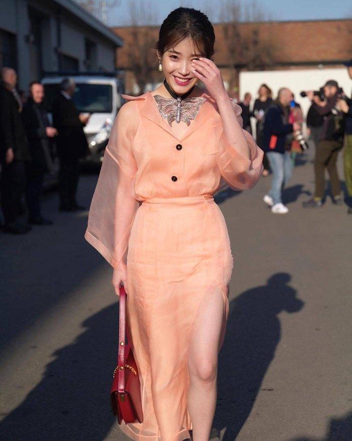 Mặc váy hàng hiệu xa xỉ, IU bị Knet chê bai còn thua mặc đồ rẻ tiền-6