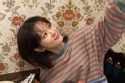 Cha Jang Nara khoe ảnh chụp trộm con gái, nhan sắc 'không tuổi' một lần nữa gây kinh ngạc