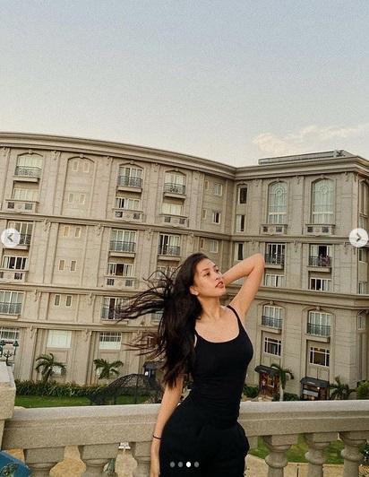 Hoa hậu Tiểu Vy nhận cái kết không thể đắng hơn khi catwalk trong gió lớn-5