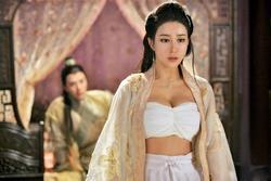 Phim cổ trang Trung Quốc bị la ó vì để nữ diễn viên mặc sexy hơn cả kỹ nữ