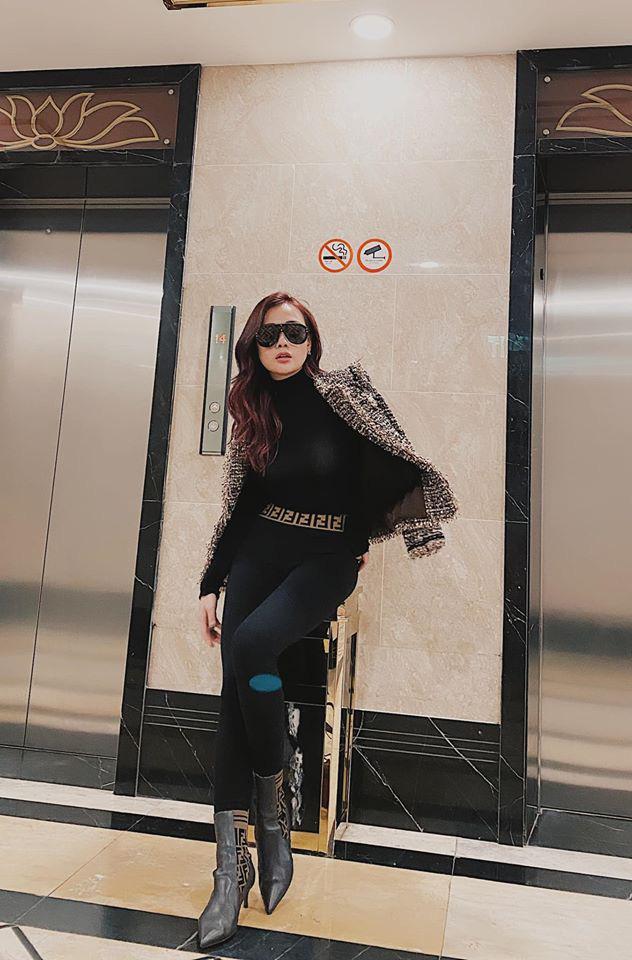 Diện áo mỏng tang lộ nội y, Phương Oanh nối gót sai lầm của Tâm Tít, Lệ Quyên, Park Min Young-3