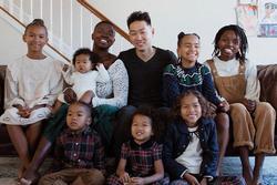 Cô gái gốc Phi 2 đời chồng, 4 con riêng lấy được trai tân, cưới xong kiếm 33 triệu/ngày