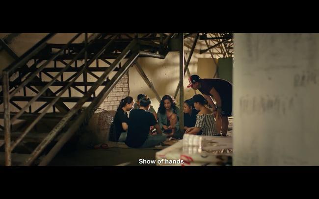 Khả Như chơi bài bị bắt, Kiều Minh Tuấn mang tiền đến chuộc vợ hờ-2