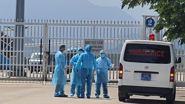 Vụ 80 người từ tâm dịch Daegu đến Đà Nẵng: 1 nam thanh niên bị sốt, 20 khách Hàn Quốc tạm chấp nhận cách ly tại bệnh viện-2