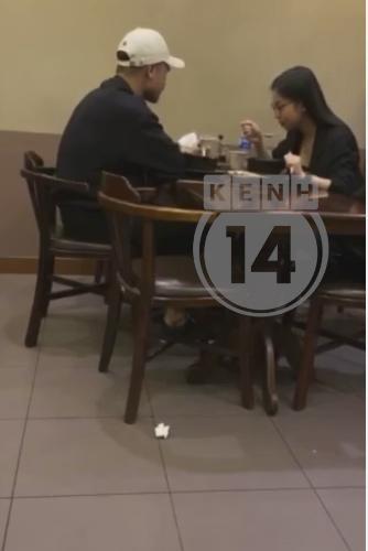 HOT: Bắt gặp Quang Hải - Nhật Lê cùng nhau đi ăn, chàng còn tình tứ đưa nàng về bằng xe máy-6