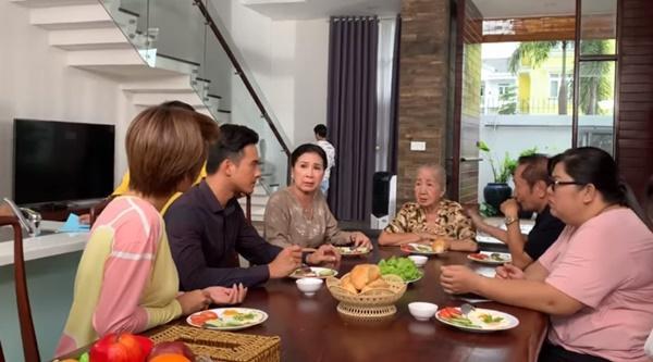 Hậu trường không như mơ về chuyện ăn uống, trang phục... của phim Việt-4