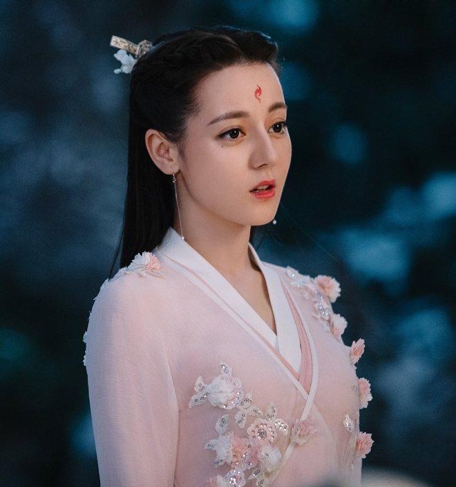 Vì sao Dương Mịch chỉ mất vài phút đã át vía người đẹp Tân Cương Địch Lệ Nhiệt Ba?-2
