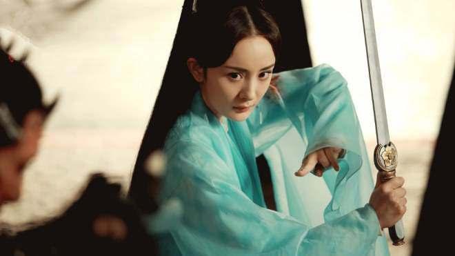 Vì sao Dương Mịch chỉ mất vài phút đã át vía người đẹp Tân Cương Địch Lệ Nhiệt Ba?-4