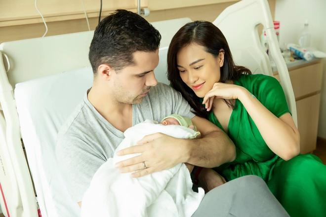Sinh con được 3 tháng, MC Phương Mai múa cột với tạo dáng khiến mẹ bỉm sữa chóng mặt-5