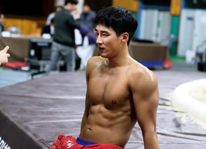 Thiếu gia bất tài của Tầng lớp Itaewon từng yêu thầm Song Hye Kyo-4