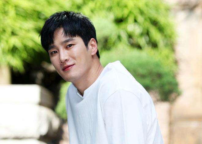 Thiếu gia bất tài của Tầng lớp Itaewon từng yêu thầm Song Hye Kyo-5