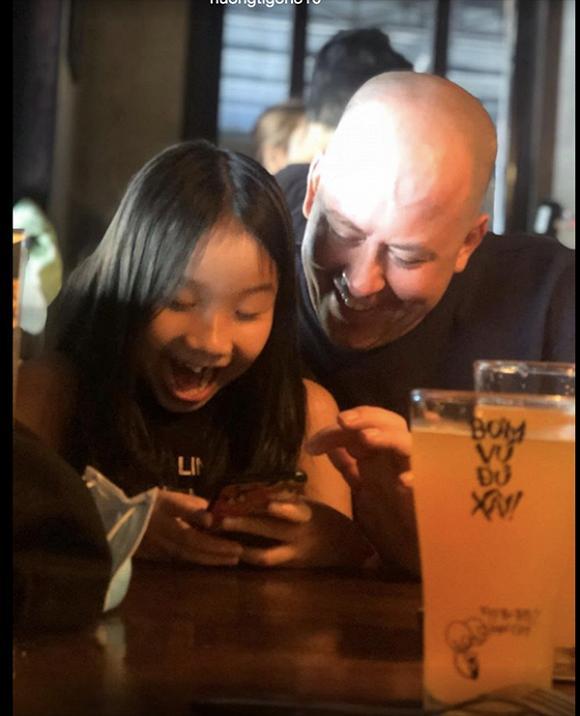 Vợ cũ MC Thành Trung hạnh phúc vì con gái yêu quý bạn trai mới như người thân trong gia đình-1