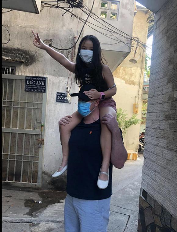 Vợ cũ MC Thành Trung hạnh phúc vì con gái yêu quý bạn trai mới như người thân trong gia đình-3