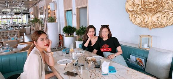Lưu Hương Giang, Hoàng Thùy Linh và Lã Thanh Huyền hiếm hoi chung khung hình: Đều ngoài 30 vẫn đẹp ngất ngây-2