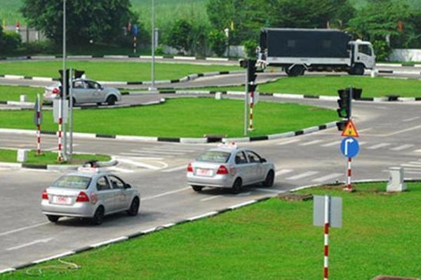 Thực hư việc tăng học phí đào tạo lái xe lên 30 triệu đồng-1