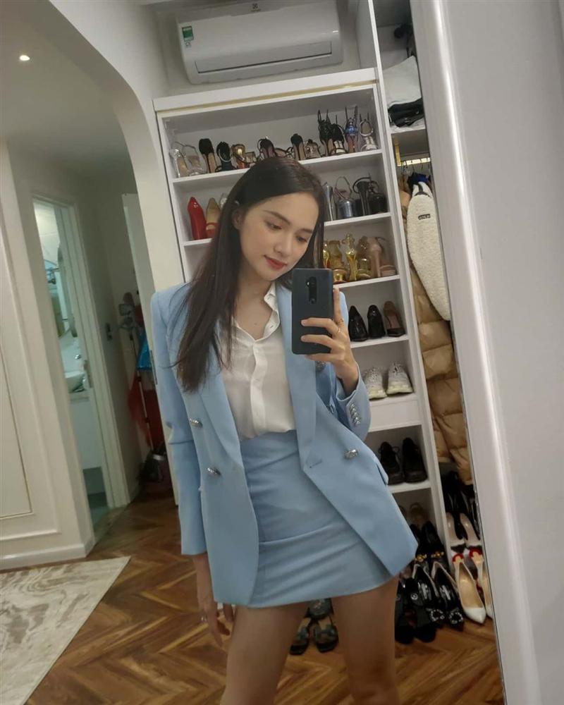 Thiếu photoshop, đôi chân của Hương Giang lộ nguyên hình... que củi-1