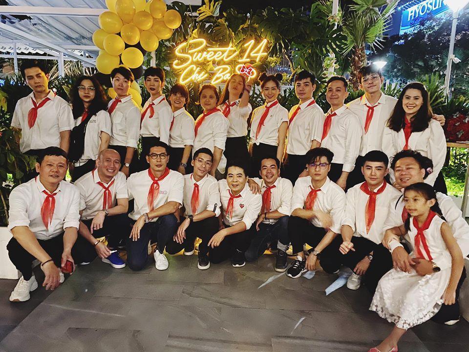 QUÁ LẦY: Xuân Lan rủ Jun Phạm mặc áo trắng, đeo khăn đỏ mừng sinh nhật Ngô Thanh Vân-1