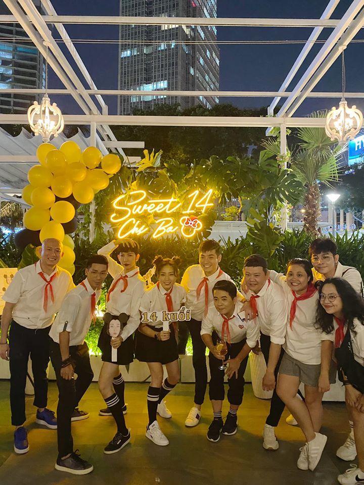 QUÁ LẦY: Xuân Lan rủ Jun Phạm mặc áo trắng, đeo khăn đỏ mừng sinh nhật Ngô Thanh Vân-2