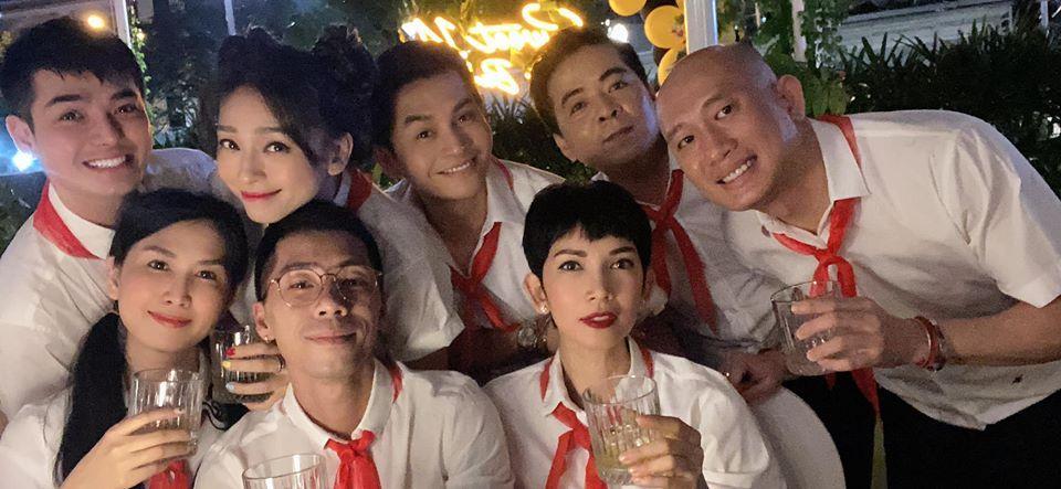 QUÁ LẦY: Xuân Lan rủ Jun Phạm mặc áo trắng, đeo khăn đỏ mừng sinh nhật Ngô Thanh Vân-3