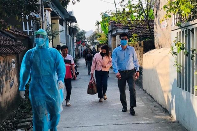 Cô gái trở về từ vùng dịch Hàn Quốc có dấu hiệu sốt, cách ly thêm 16 người-2