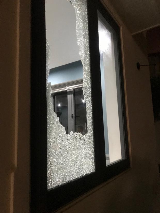 CLip: Nhóm côn đồ cầm hung khí tấn công biệt thự của Chủ tịch công ty bất động sản ở Đà Nẵng-4