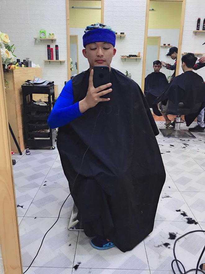 Thanh niên số nhọ định làm tóc xoăn cho đỡ chán đời, tiếc là làm xong còn thấy đời chán hơn-2