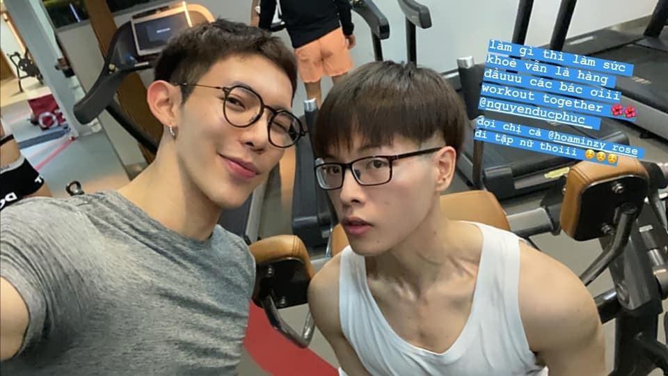Đức Phúc - Erik rủ nhau tập gym, gây chú ý là hai gương mặt nhọn hoắt giống nhau y tạc-1