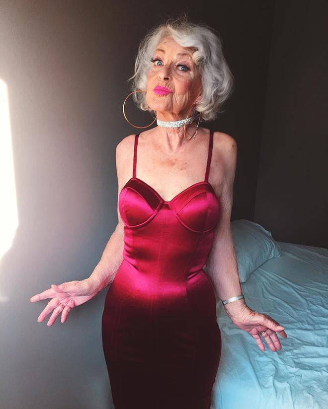 Bà lão 92 tuổi nổi tiếng nhờ ăn mặc cá tính, sexy như giới trẻ-3