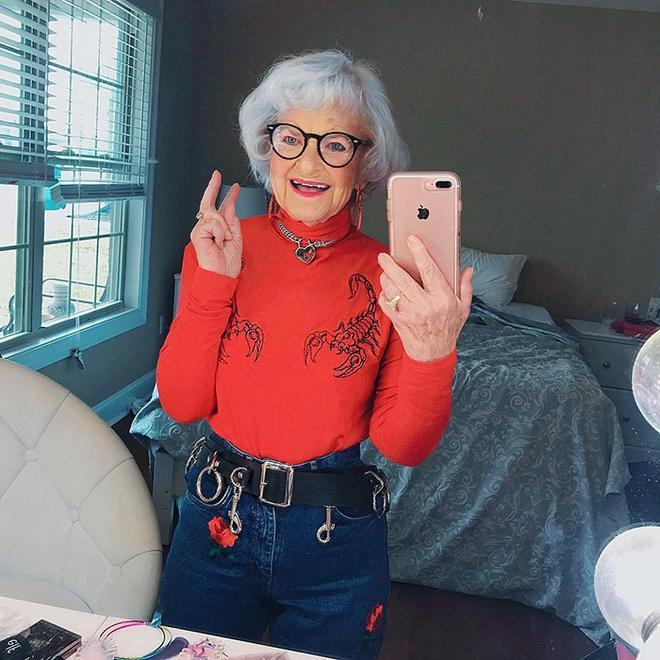 Bà lão 92 tuổi nổi tiếng nhờ ăn mặc cá tính, sexy như giới trẻ-7