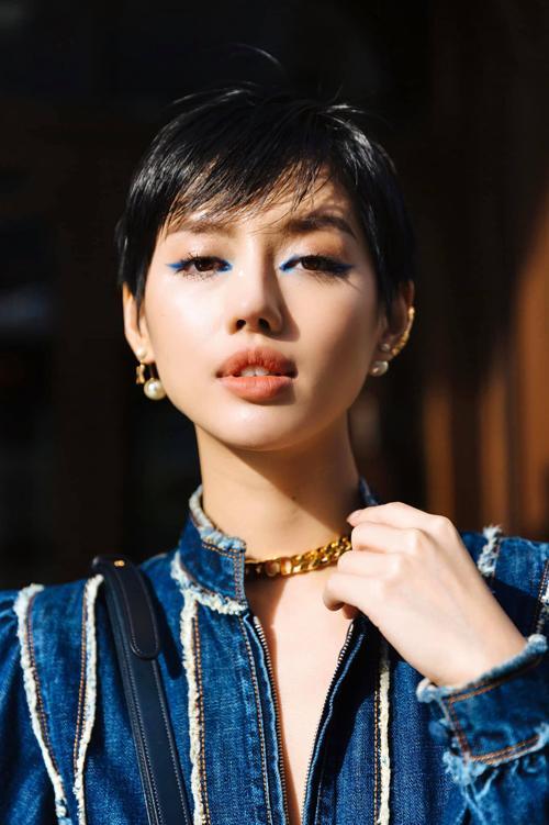 Đụng hàng jumpsuit, Châu Bùi thất thế trước Khánh Linh vì chiều cao lẫn cách mix đồ-3