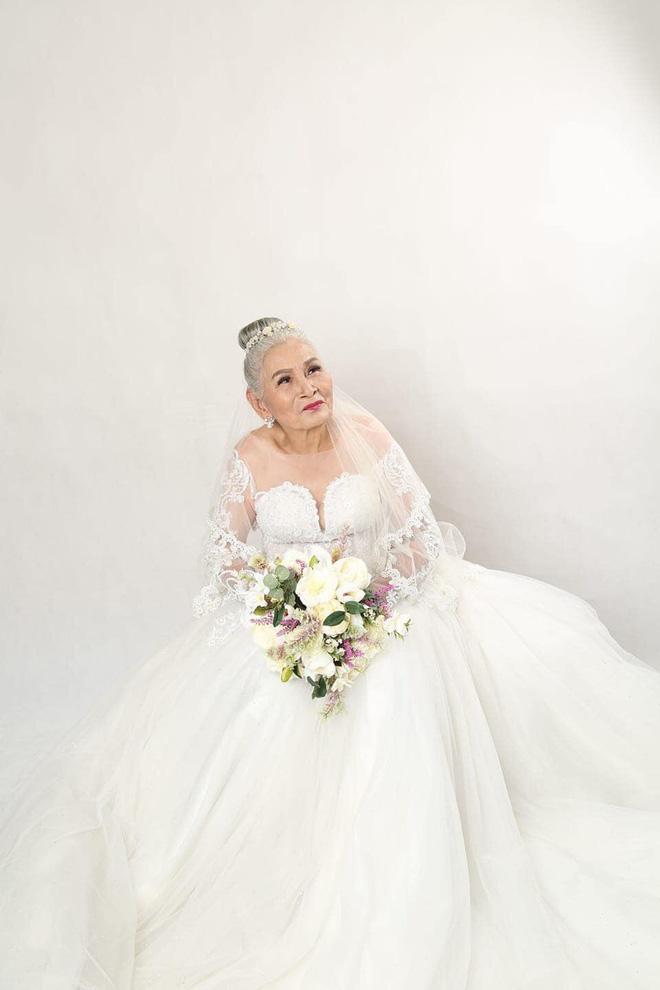 Bộ ảnh cưới đặc biệt của hai cụ già U80 khiến dân mạng nhiệt tình thả tim-3